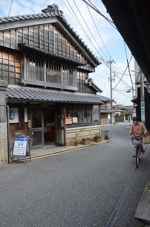 建物探訪 TUKIDEおかげ参り_e0164563_95040.jpg