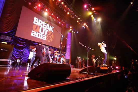 BREAKOUT祭2013 マイファス、OLDCODEX、じんらが魅せた熱狂のステージ_e0197970_17453265.jpg