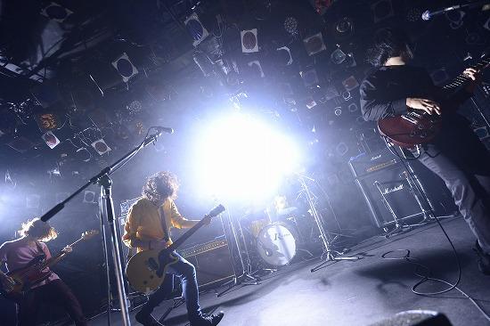 KANA-BOON、2時間におよぶ東京ワンマンが大盛況_e0197970_175392.jpg
