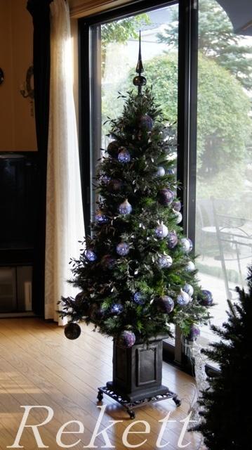 毎年人気のポット付きクリスマスツリーご紹介~!_f0029571_2342331.jpg