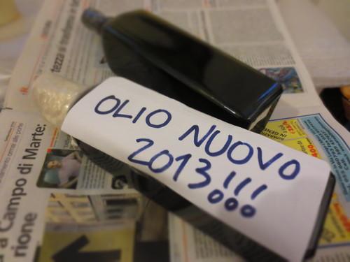 アパート滞在のお客様からのご要望でOLIO NUOVOをご調達させて頂きました!!_c0179785_2038648.jpg