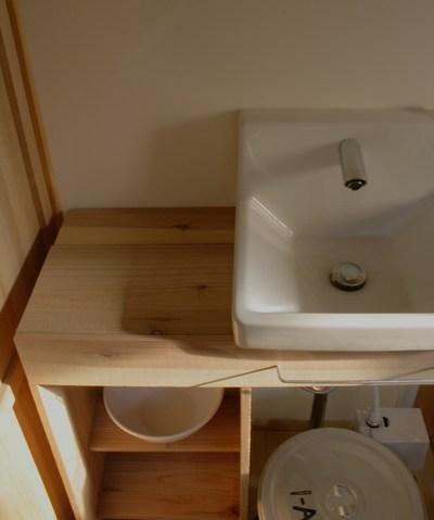 工作その2 手洗いの棚_b0223199_17563442.jpg