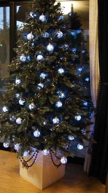 ホワイトカラーの素敵なポット付きクリスマスツリーご紹介~_f0029571_23554386.jpg