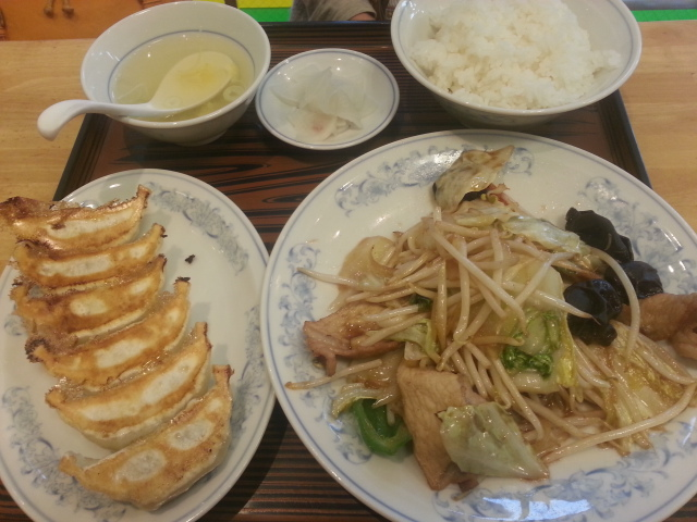 11/4 ぎょうざの満洲羽村駅前店 焼餃子とライス大盛¥420_b0042308_12443770.jpg
