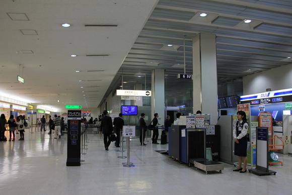 東北で美味しいご飯を食べに行く旅! 伊丹空港_d0202264_16223617.jpg