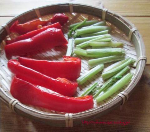イエシゴトVol.14 ☆部 干しパプリカで貧乏人のスープ「sopa de ajo」と干し野菜基本事項_e0274872_22385162.jpg