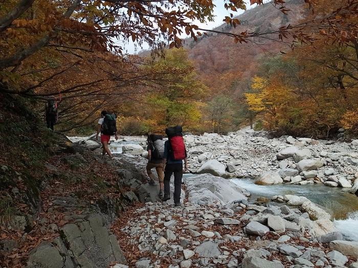 2013.11.3-4 谷川岳を歩いて泊まる山旅 day1_b0219778_19202473.jpg