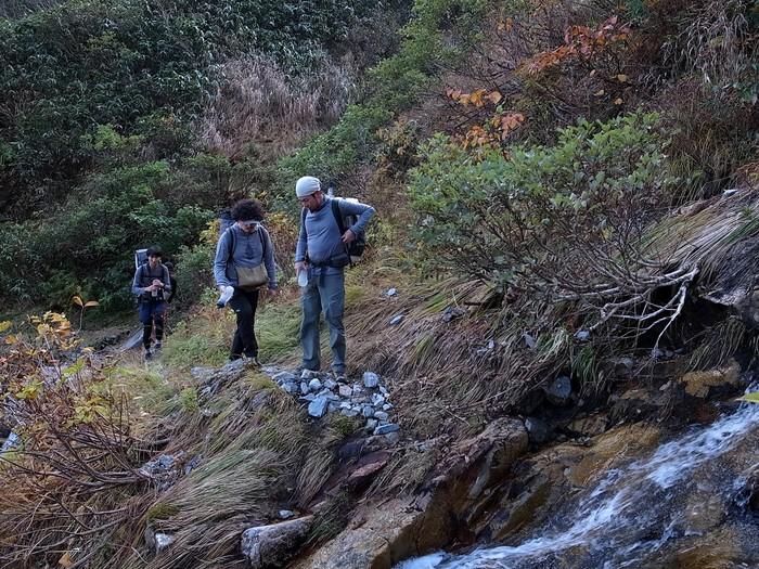 2013.11.3-4 谷川岳を歩いて泊まる山旅 day1_b0219778_1923272.jpg