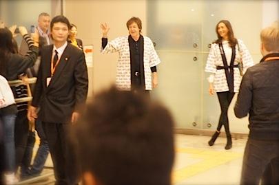 関西空港 国際線 南 到着口11月9日 18時45分_f0057849_0341866.jpg