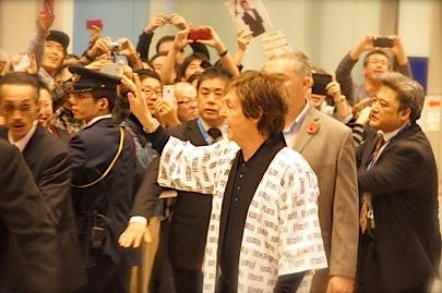 関西空港 国際線 南 到着口11月9日 18時45分_f0057849_042695.jpg
