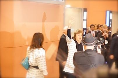 関西空港 国際線 南 到着口11月9日 18時45分_f0057849_173986.jpg