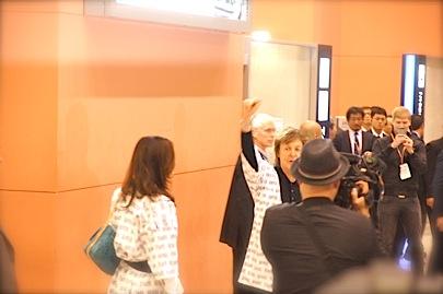 関西空港 国際線 南 到着口11月9日 18時45分_f0057849_17588.jpg