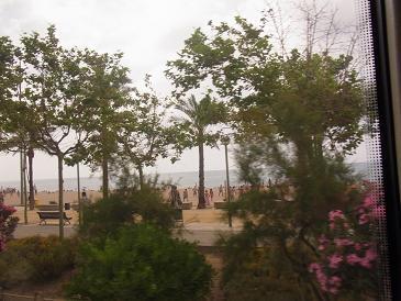バルセロナから列車に乗って_a0098948_20353045.jpg