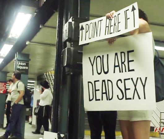 NYの地下鉄の車掌さんに笑顔になってもらう実験?! The New York Subway Signs Experiment_b0007805_47988.jpg
