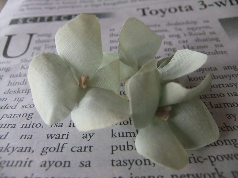 切り出した花びら。_d0298628_1455095.jpg