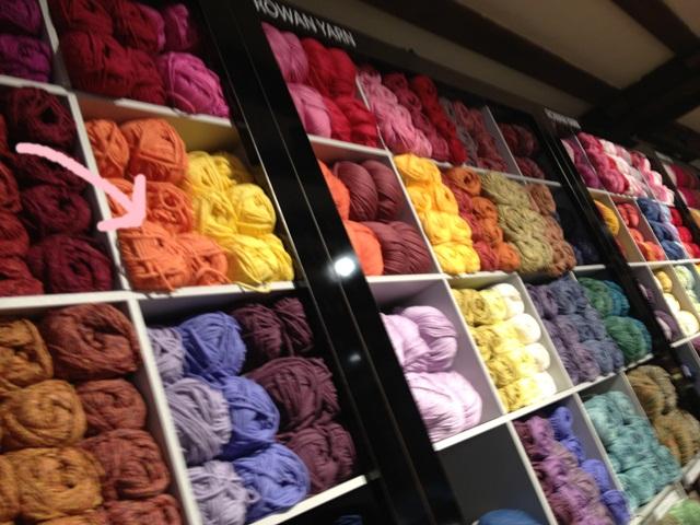 リバティの毛糸でいよいよ編み物スタートです(^_-)-☆_a0213806_2043346.jpg