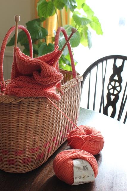 リバティの毛糸でいよいよ編み物スタートです(^_-)-☆_a0213806_20445152.jpg