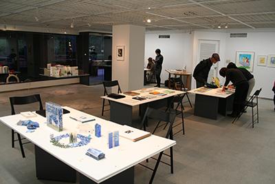 手作り絵本「13人の机から」展が開催中です!_f0171840_16453846.jpg