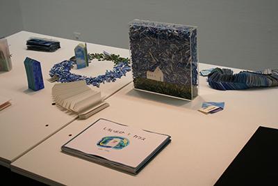 手作り絵本「13人の机から」展が開催中です!_f0171840_16464232.jpg
