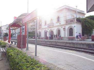 バルセロナから列車で1時間の町_a0098948_2595113.jpg