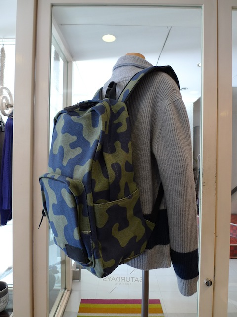SATURDAYS SURF NYC MANHATTAN BACKPACK CAMOFLAUGE:SORRY,SOLD OUT!_f0111683_1326832.jpg