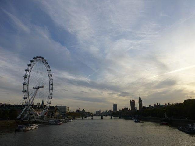 ロンドンの夕焼けショー_f0096017_1132354.jpg