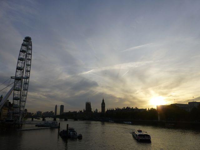 ロンドンの夕焼けショー_f0096017_116770.jpg
