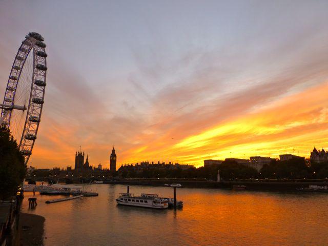 ロンドンの夕焼けショー_f0096017_122067.jpg