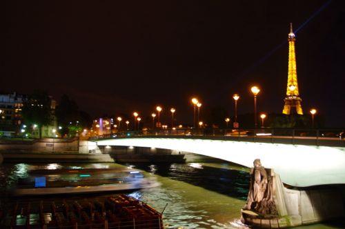 秋のパリ日記2:ロマンチック♪セーヌ川のディナークルーズ_e0114020_613161.jpg
