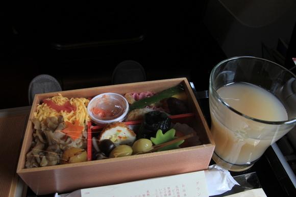 東北で美味しいご飯を食べる旅! E5系グランクラスで_d0202264_624158.jpg