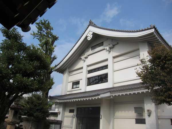 平野城と中勝寺_a0045381_16445937.jpg