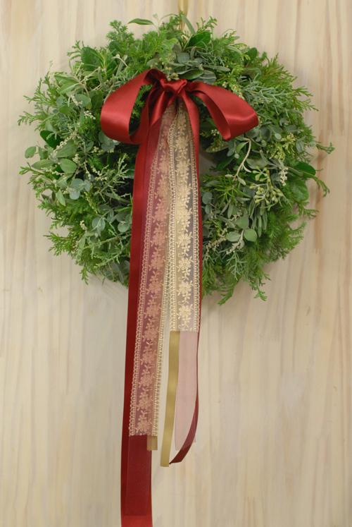 Flora*2クリスマスレッスン 10種エヴァーグリーンと4種のリボンをつかったクリスマスリース_a0115684_1341521.jpg