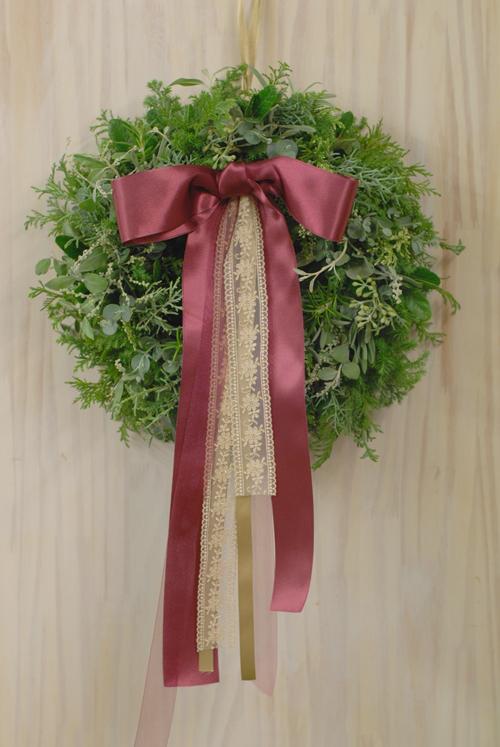 Flora*2クリスマスレッスン 10種エヴァーグリーンと4種のリボンをつかったクリスマスリース_a0115684_13727100.jpg