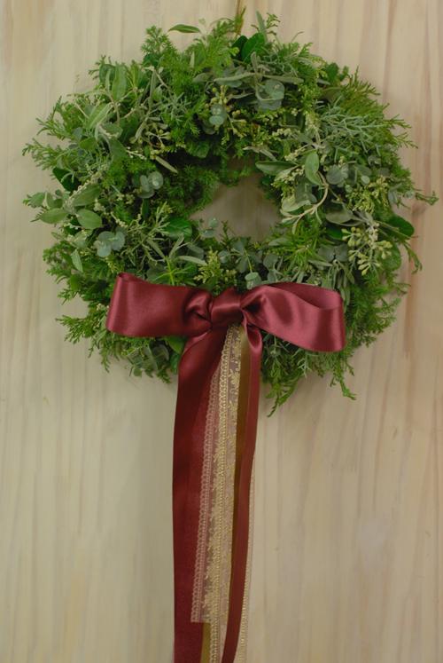 Flora*2クリスマスレッスン 10種エヴァーグリーンと4種のリボンをつかったクリスマスリース_a0115684_1373443.jpg