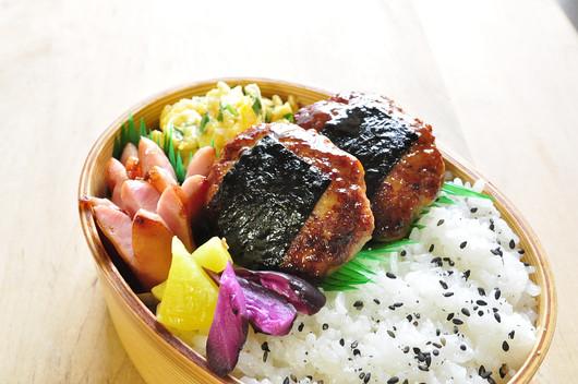 鶏つくねの照り焼き弁当_b0171098_812129.jpg