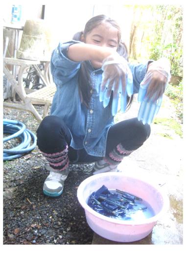 藍染め・幼 小クラス_f0211514_18454124.jpg