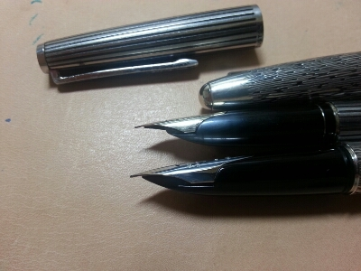 パイロットシルバーンとカスタムのペン先比較_b0233441_1619364.jpg