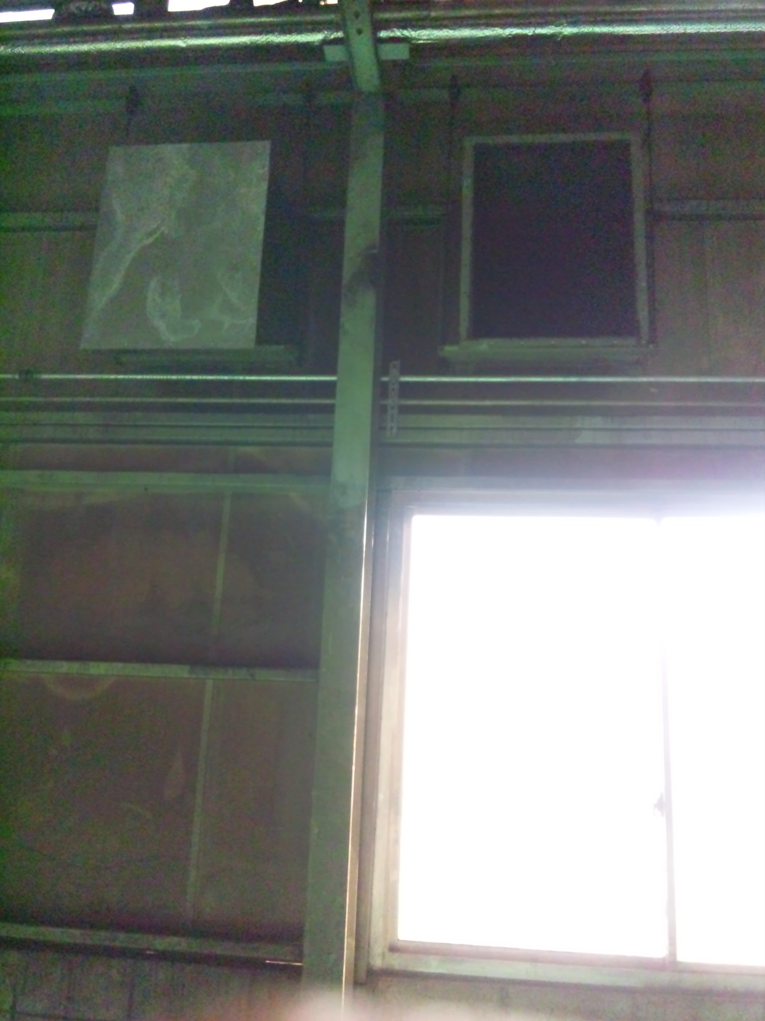 ダクト撤去工事 ダクトの中には・・・何かが・・・_f0110349_19302982.jpg