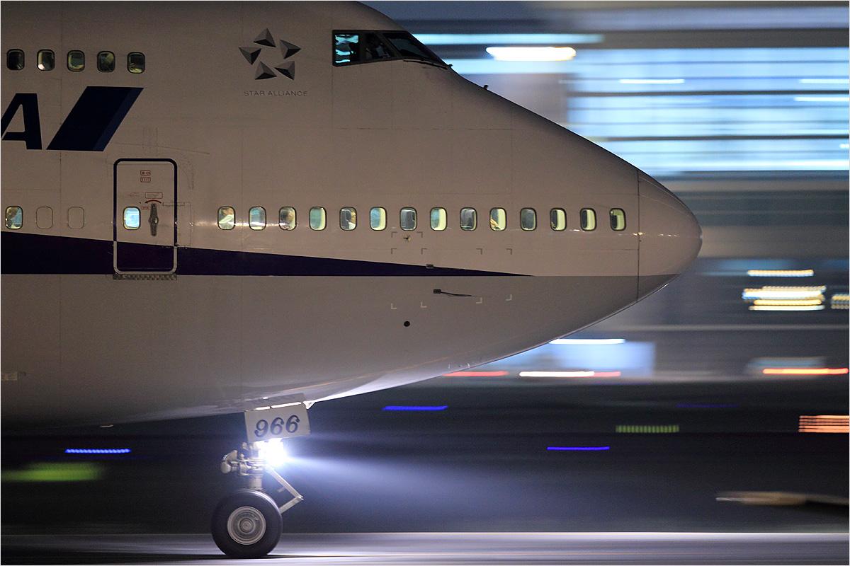 Thanks 747 - 福岡空港_c0308259_20187.jpg