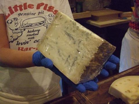 美味しいチーズを探しに~ターフシティへ_e0303431_1810880.jpg