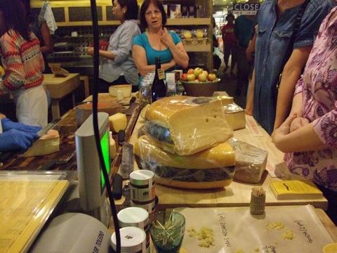 美味しいチーズを探しに~ターフシティへ_e0303431_1871371.jpg