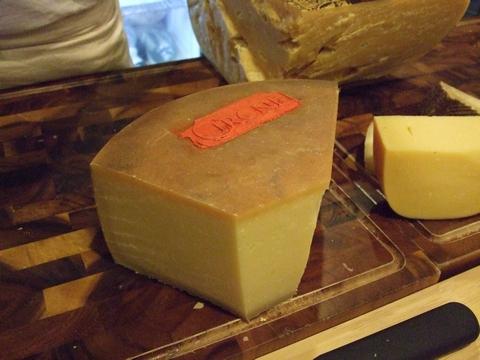 美味しいチーズを探しに~ターフシティへ_e0303431_189534.jpg