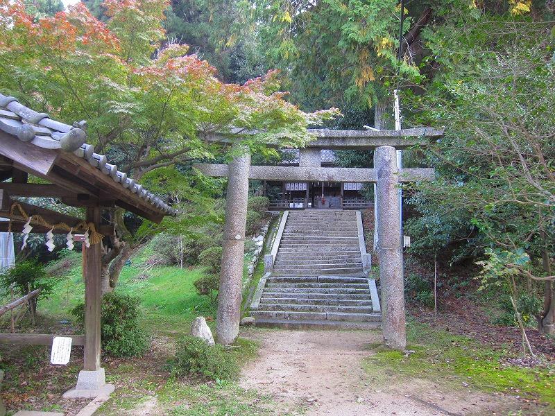 下鴨神社で有名な、鴨社/鴨族のルーツは「奈良県御所市」にあった。_e0237645_20301457.jpg
