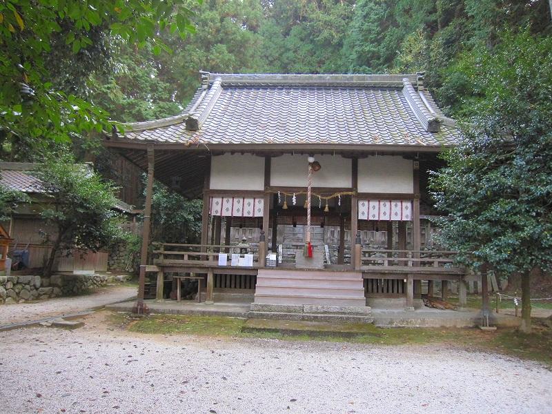 下鴨神社で有名な、鴨社/鴨族のルーツは「奈良県御所市」にあった。_e0237645_20304523.jpg