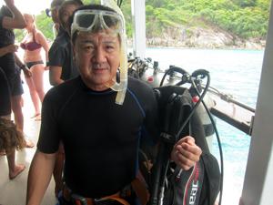 ラチャヤイ島ファンダイビング!!_f0144385_18252316.jpg