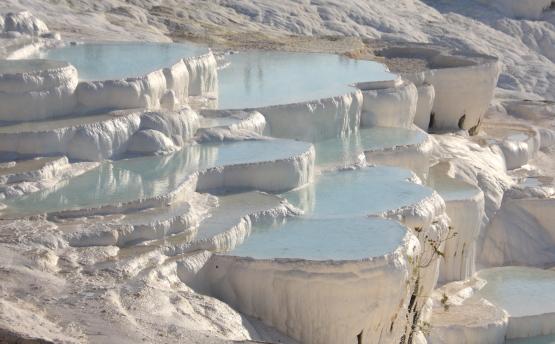 「綿の宮殿」と呼ばれる自然のつくった芸術_a0113718_1714226.jpg