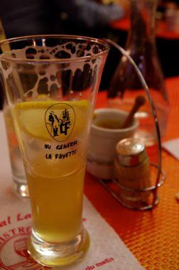 秋のパリ日記4:老舗お菓子屋さん、クラシックなビストロ、パリの食は美しい♪_e0114020_2126439.jpg