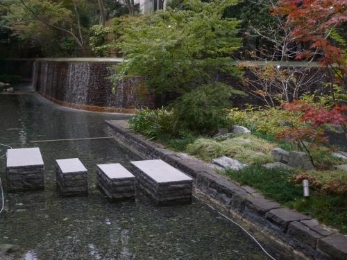 天神 ホテル 庭園_e0129750_2132046.jpg