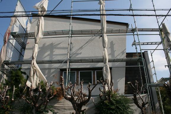 「プロバンス風・ダブル発電の家」もうすぐ完成です!11月6日_e0215179_11395252.jpg