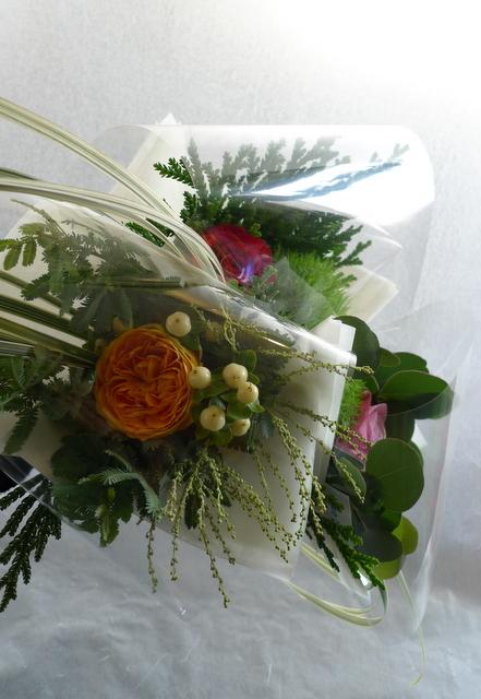 カフェでのイベントに、テーブル上に飾る小さな花束3種。_b0171193_19034991.jpg